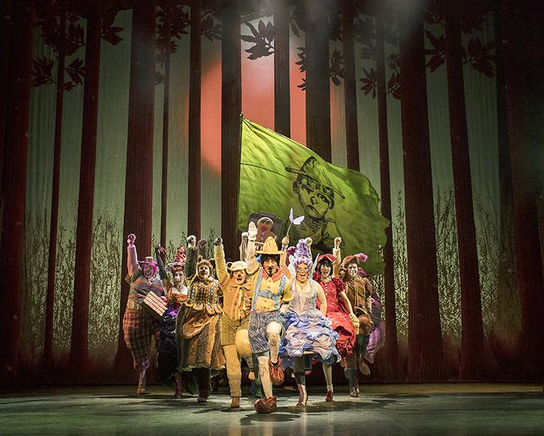 Shrek-the-Musical.-Credit-Helen-Maybanks
